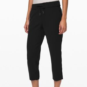 NWT Lululemon On the Fly Woven crop pants